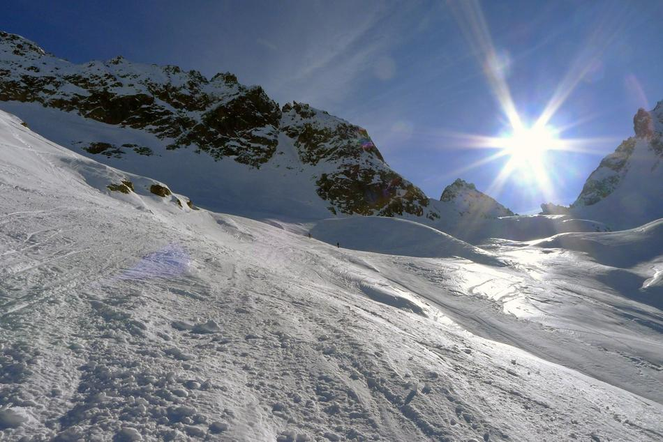2308_1328710563_ski-de-randonnee-glaciers-du-mont-blanc-j1-b.jpg